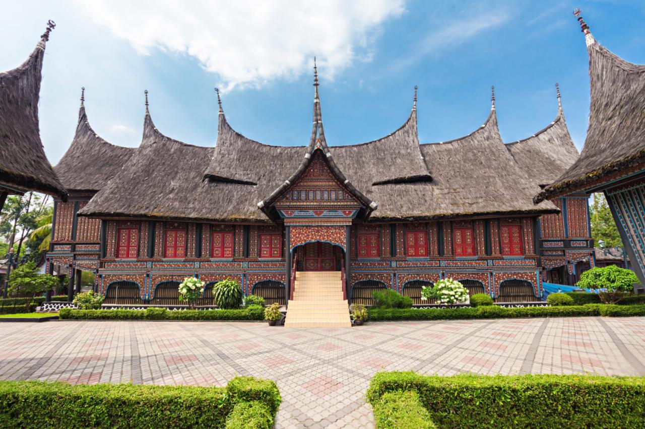 هل تسافر الى اندونيسيا 5 اماكن سياحية بجاكرتا اذا لم تزرها كأنك لم تسافر الأسواق و أماكن الترفيه