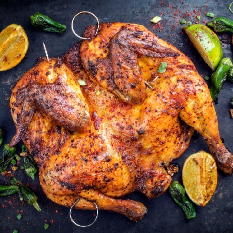 صورة الدجاج المشوي بتمصمصي العظام حته حته من حلاوته 2963