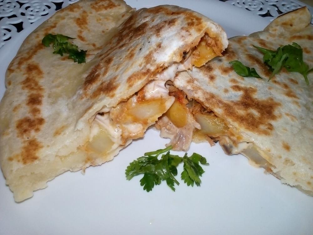 صورة فطائر الصاج التركيه بحشوة التونه والجبن 2987 2