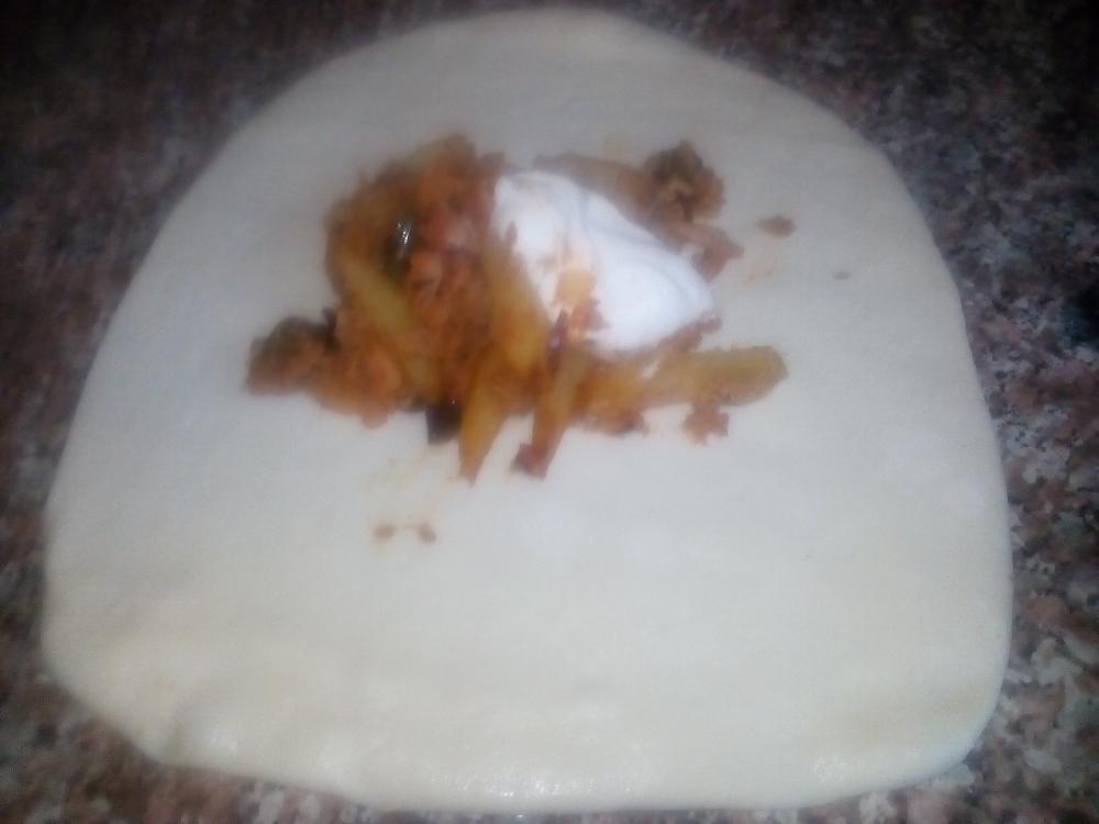 صورة فطائر الصاج التركيه بحشوة التونه والجبن 2987