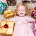 فن اختيار الهدايا للأطفال من عمر عام إلى عشرة أعوام