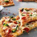 طريقة عجينة بيتزا رقيقة - موضوع