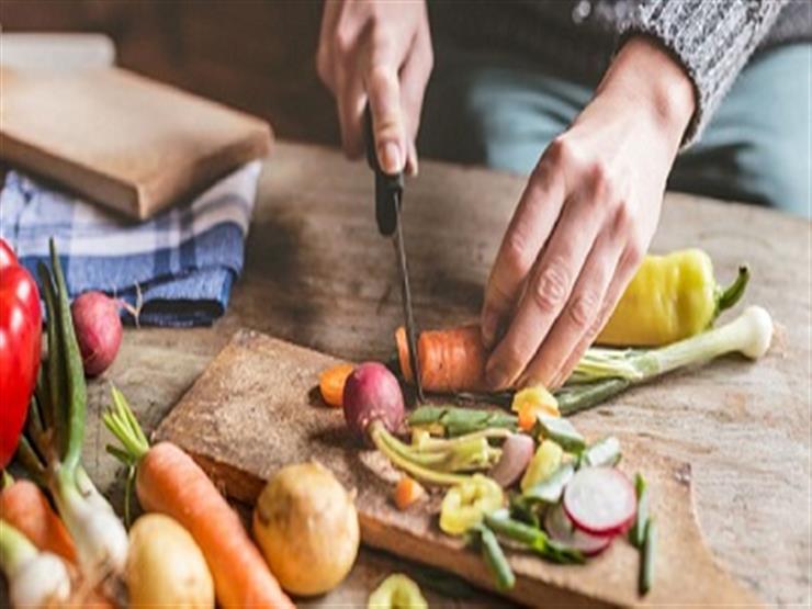 سنة اولى مطبخ.. 10 نصائح تسهل عليك طهي الطعام