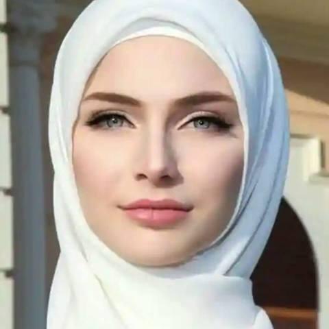 فلسطينية صدقنى انا … يا خال ============== فلسطينية انا صدقنى …. يا خال انجدنى من عذابات يومي و أهوال انقذنى فلا قدرة لي على هول و قتال اتريد المحتل ينهش لحمى و يسلب عرضى يا