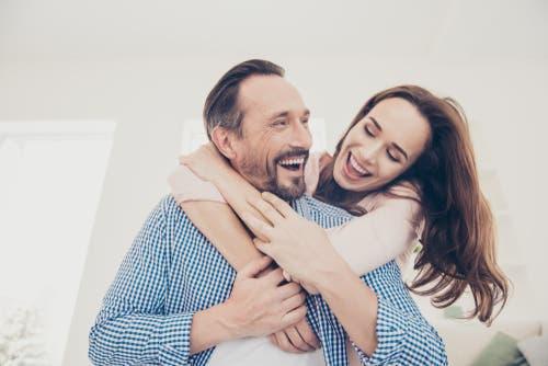 6 نصائح لتكوني زوجة مرحة بعيدة عن النكد و الجدية | البوابة