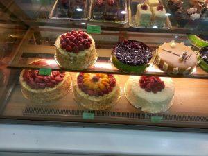 فين محلات بيع اداوت الحلويات في جدة