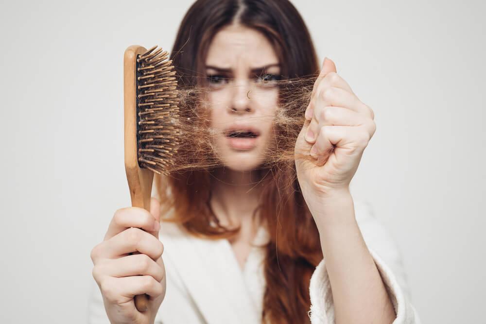 صورة تعانين من تساقط الشعر تفضلي 2898